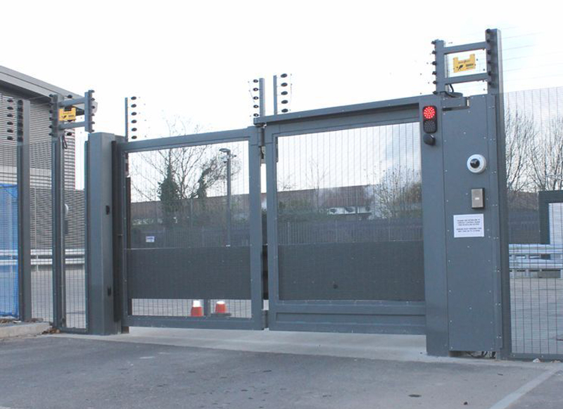 Eagle Rapide PAS68 Bi-folding speed gate