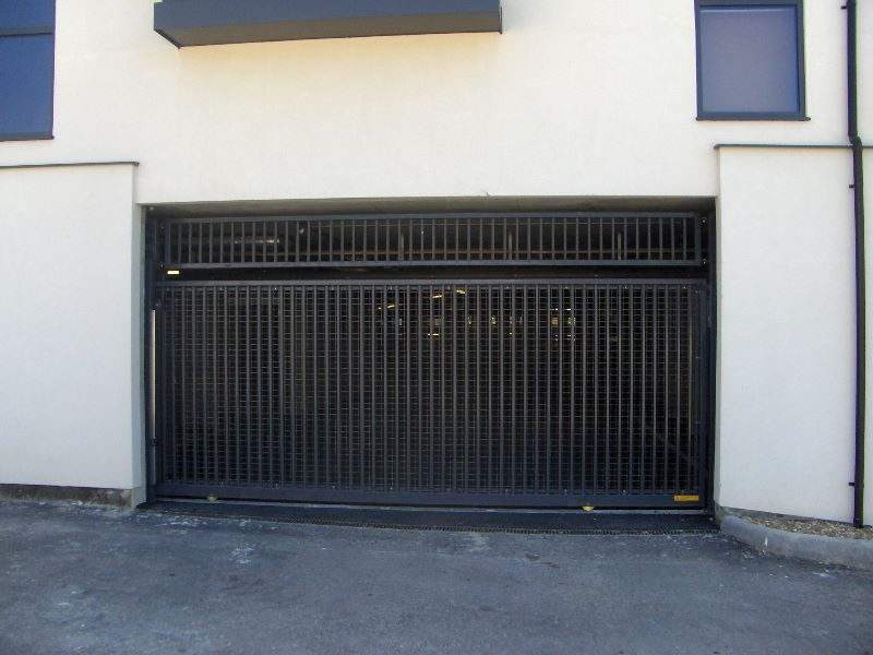 Tracked Sliding Gates